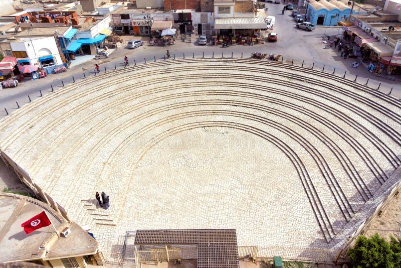 Buiteningang van Gr Jem Amphitheater, Tunesië stock foto