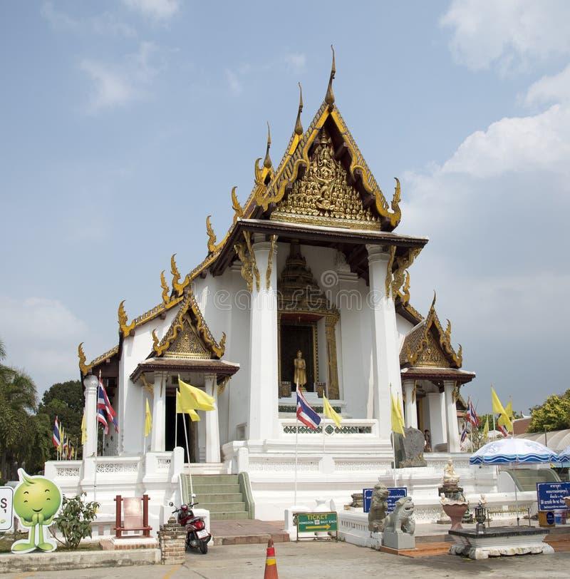 Buitenkant van een boeddhistische tempel in thailand redactionele foto afbeelding 52425471 - Ontwerp buitenkant ontwerp ...