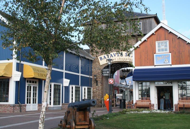 Buitenkant van het Afzet Winkelende Centrum Bataviastad stock afbeeldingen
