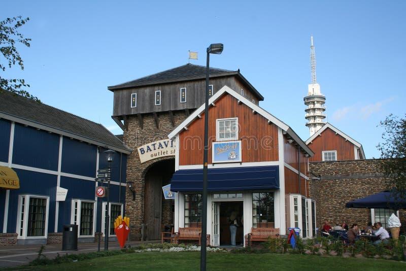 Buitenkant van het Afzet Winkelende Centrum Bataviastad stock foto