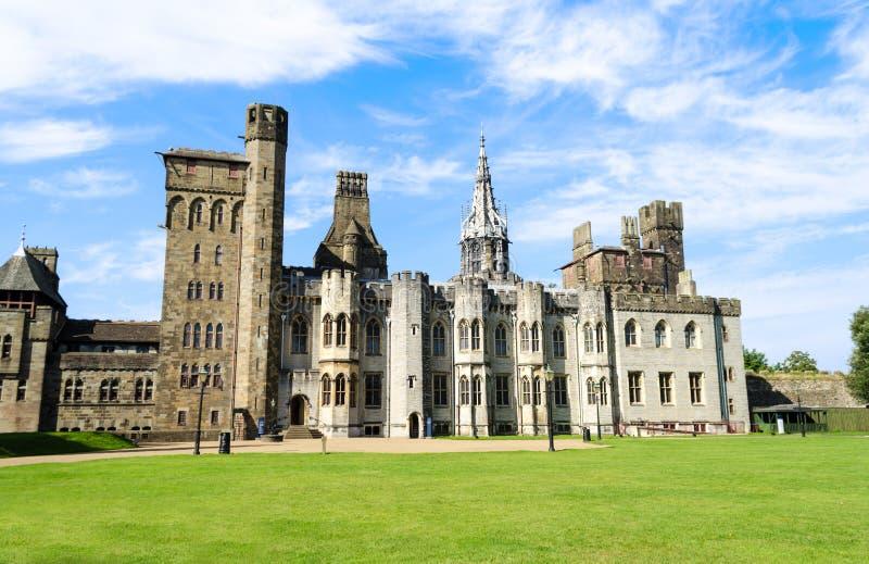 Buitenkant van het Kasteel van Cardiff – Wales, het Verenigd Koninkrijk royalty-vrije stock foto