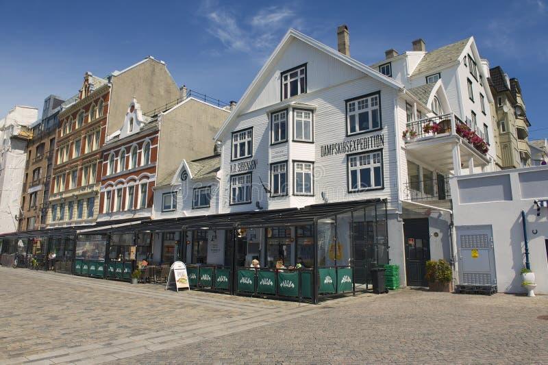 Buitenkant van traditionele buildingsin Haugesund, Noorwegen royalty-vrije stock foto's