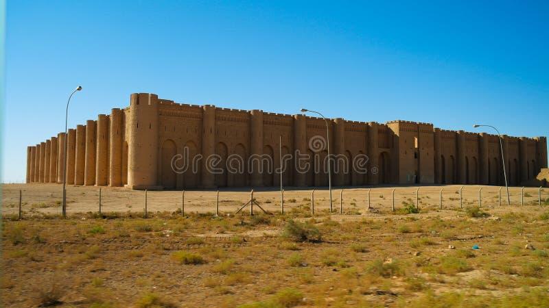 Buitenmening aan al-Ukhaidir het paleis van Abbasid van Vestingsaka van Ukhaider dichtbij Karbala Irak stock afbeeldingen