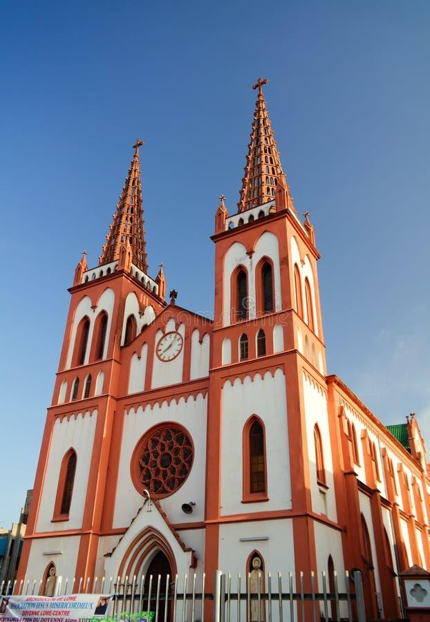 Buitenmening aan het Heilige Hart van Jesus Cathedral in Lomé, Togo stock afbeeldingen