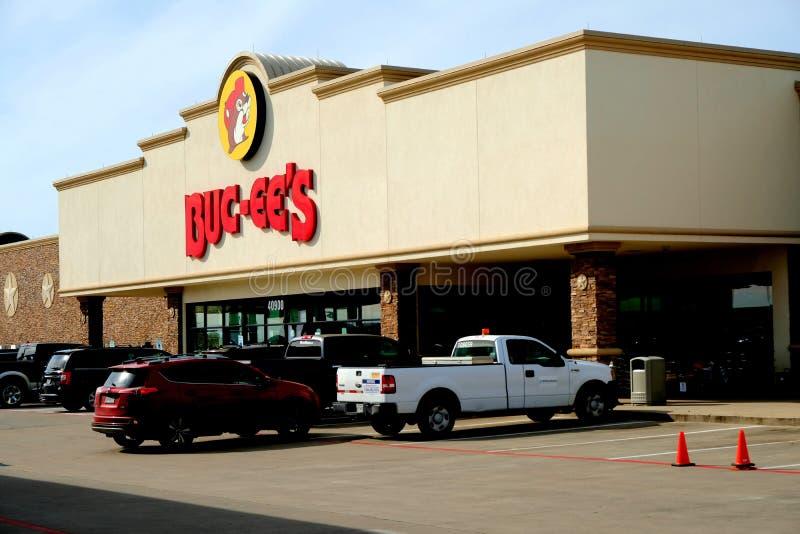 Buitenmening van benzinestation Buc -buc-ees en gemakopslag in Waller, Texas royalty-vrije stock fotografie