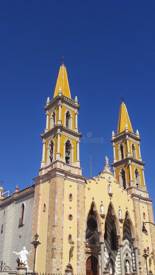 buitenmening van de belangrijkste katholieke kerk in Mazatlan, Mexico stock afbeelding