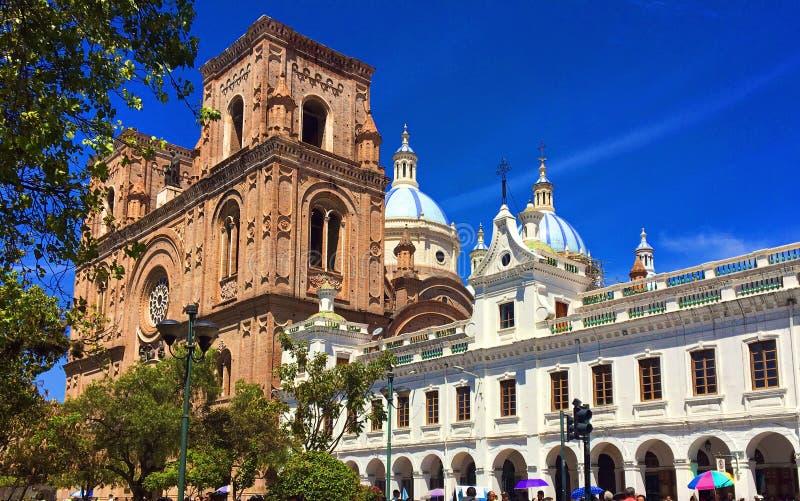 Buitenmening van de Nieuwe Kathedraal in Cuenca Ecuador royalty-vrije stock foto