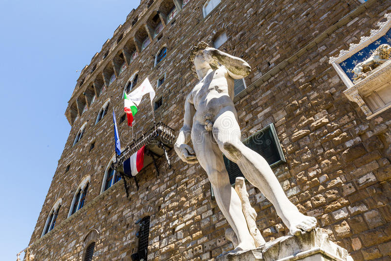 Buitenmening van Palazzo Vecchio en zijn exemplaar van Michelangel stock afbeelding