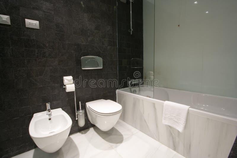 Buitensporige badkamers
