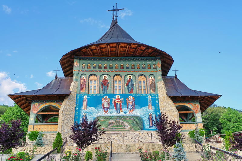 Bujoreni-Kloster lizenzfreies stockfoto