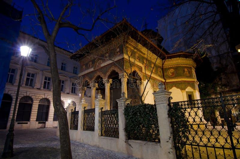 Bukarest bis zum Nacht - Stavropoleos-Kloster lizenzfreies stockbild