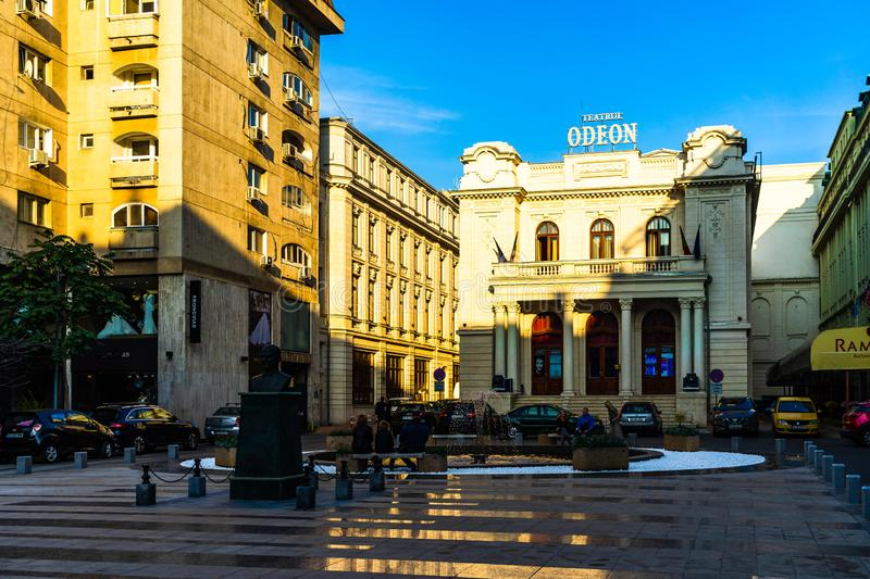 Bukarest City Tour - Odeon Theater Teatrul Odeon Bucuresti i Bukarest, Rumänien, 2019 royaltyfri fotografi
