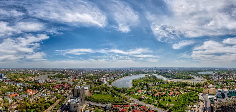 Bukarest-Panoramablick in sumer Zeit, Vogelperspektive stockfotografie