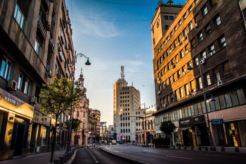 Bukarest, Rumänien, im November 2018: Victoriei-Allee ist eine der gedrängten Straßen in Bukarest lizenzfreie stockbilder