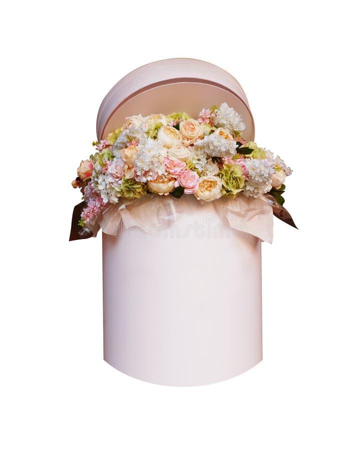Bukett av blommor i asken som isoleras på vit bakgrund royaltyfri bild