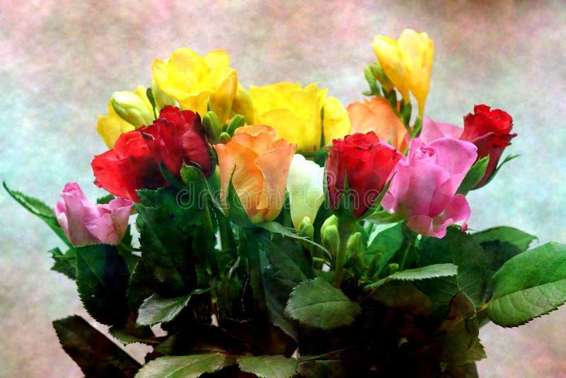 Bukett av färgrika rosor på en färgrik bakgrund royaltyfri foto