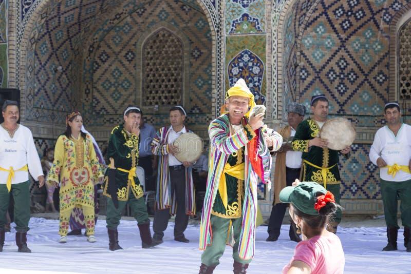 BUKHARA UZBEKISTAN, MAJ, - 26, 2018: Jedwab i pikantność festiwal 2018 Jedwabniczej drogi pikantność Bukhara obraz stock