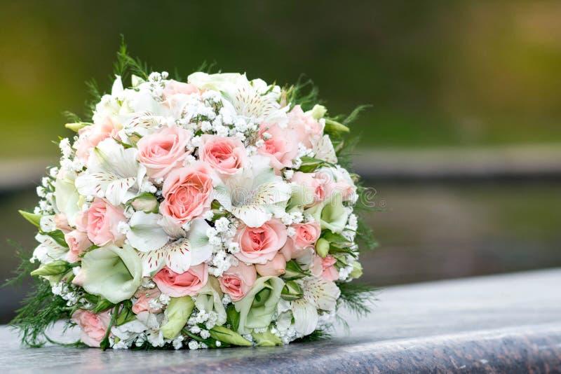 Bukiet bridal, kwiaty fotografia royalty free