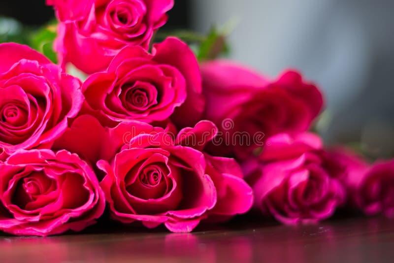 bukiet różowe róże zdjęcia royalty free