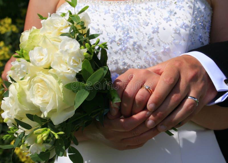bukieta dzień wręcza pierścionków target1486_1_ zdjęcie stock