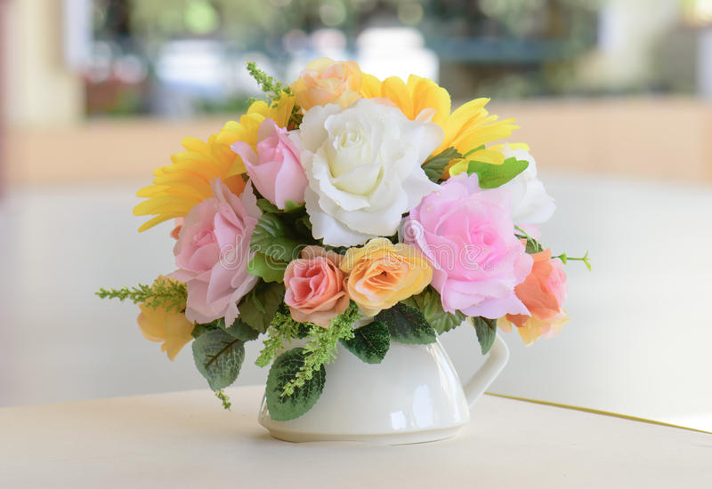 Bukieta kwiat na wazie zdjęcie royalty free