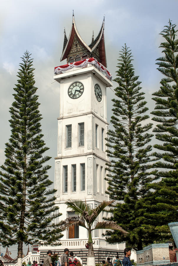 Bukittinggi, Indonésia - 23 de agosto, 20015 - bloqueie Gadang, o grande pulso de disparo que está alto fotografia de stock royalty free
