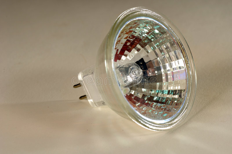 Bulbo de halogênio de 12 volts fotografia de stock royalty free