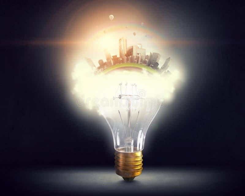 Bulbo y líneas eléctricas eléctricos de Eco imagen de archivo libre de regalías