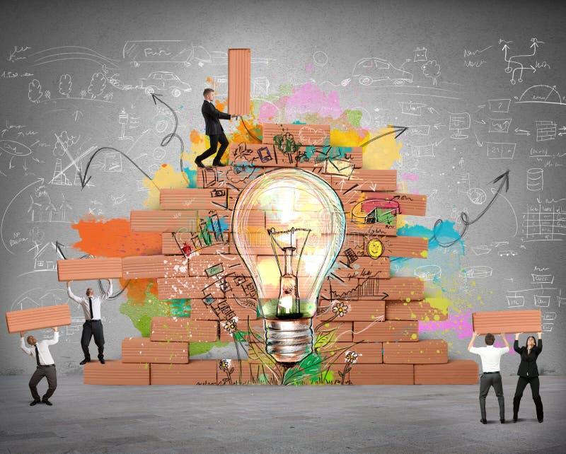 Bulding una nueva idea creativa ilustración del vector