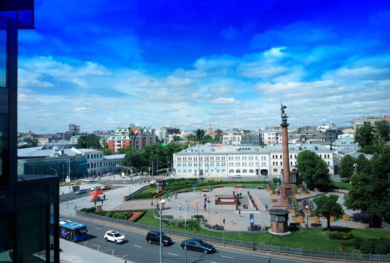 Bulevar de Tsvetnoy en el fondo de la ciudad de Moscú imágenes de archivo libres de regalías