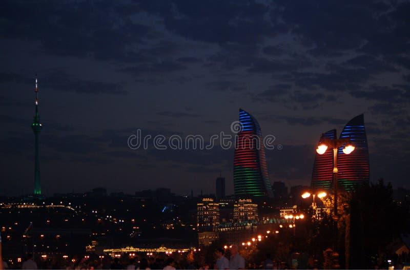 Bulevar do beira-mar de Baku da noite fotos de stock
