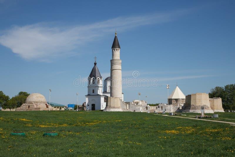 Bulgaars historisch en archeologisch monument dichtbij Kazan Grote Minaret complex van de oude ruïnes in de stad van Bolgar royalty-vrije stock afbeelding