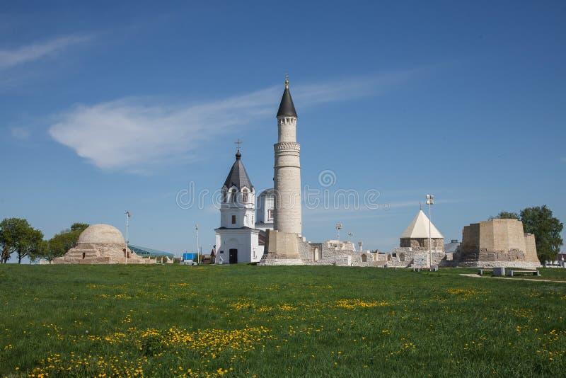 Bulgaars historisch en archeologisch monument dichtbij Kazan Grote Minaret complex van de oude ruïnes in de stad van Bolgar royalty-vrije stock foto's