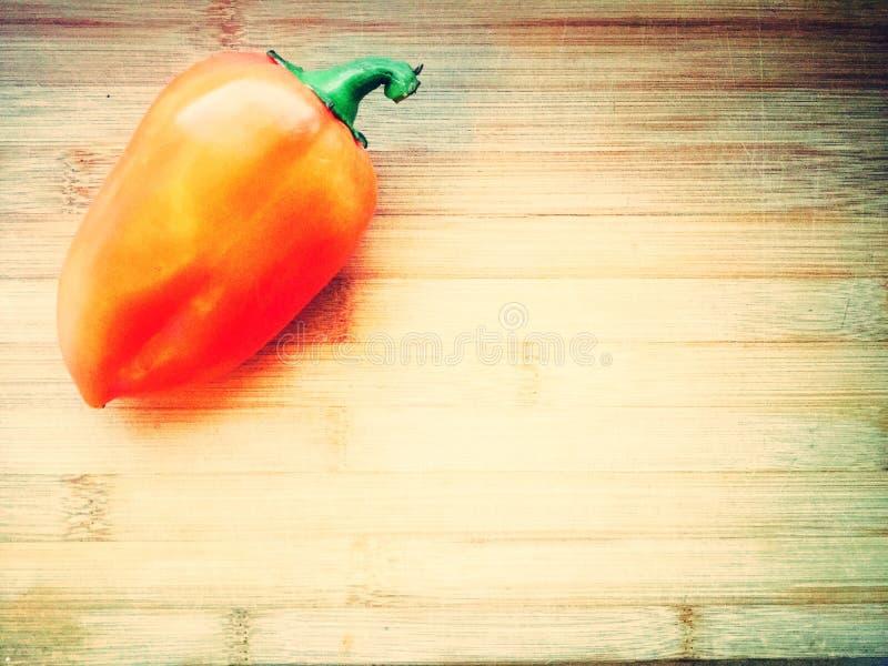Bulgaarse peper op het bureau stock foto