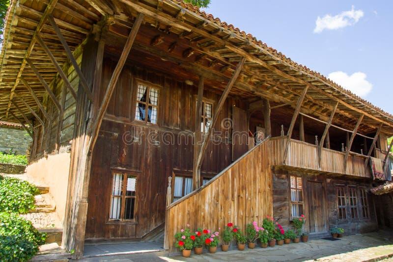 Download Bulgaria Arquitectura De Madera Tradicional De Los Balcanes Imagen de archivo - Imagen de barras, casero: 41908249