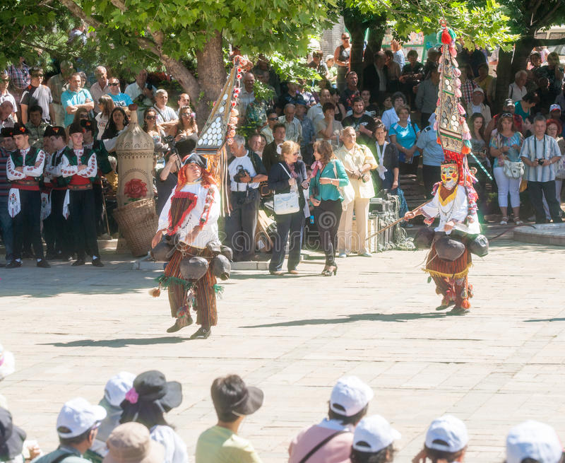 Download Bulgaria Giovani Ballerini Nel Festival Piega In Karlovo Fotografia Editoriale - Immagine di tradizionale, festival: 56892021
