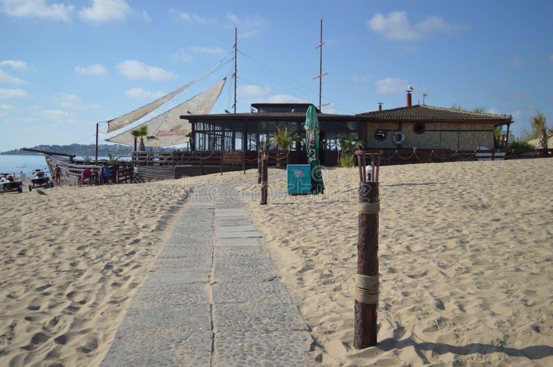 Bulgaria - Sunny Beach - café de la nave fotografía de archivo libre de regalías