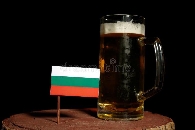 Download Bulgarische Flagge Mit Dem Bierkrug Lokalisiert Auf Schwarzem Stockfoto - Bild von partei, schaumig: 96936022
