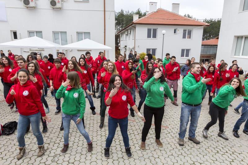 Bulgarische freiwillige Organisation der Jugend des roten Kreuzes (BRCY) stockbild