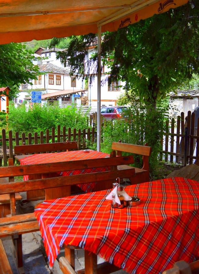 Bulgarisk utomhus- traditionell restaurang arkivbilder