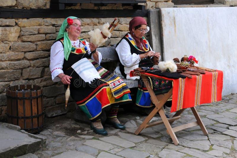 Bulgariska Needlewomen royaltyfri foto