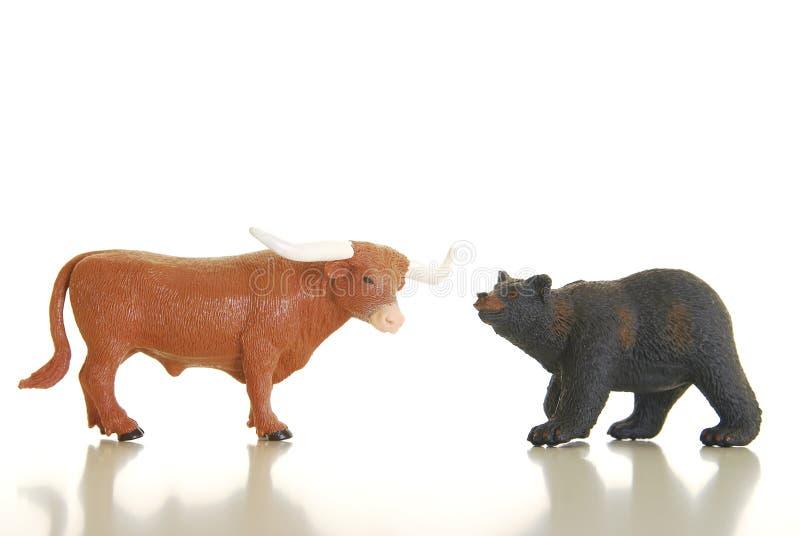 Bull et ours photographie stock libre de droits