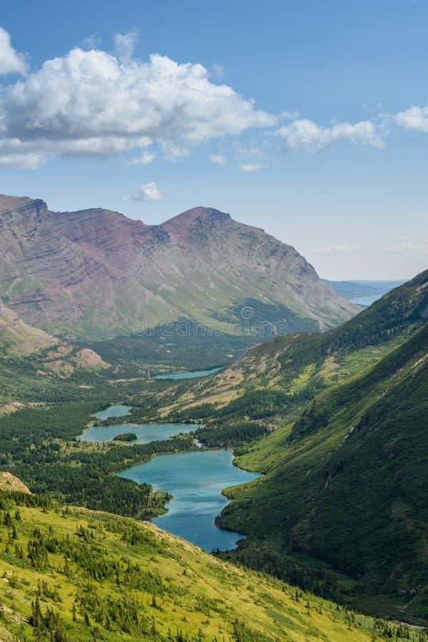 Bull Head Lake from Swiftcurrent Pass royaltyfri foto
