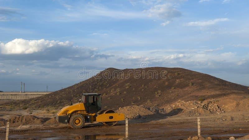 Bulldozer dalla strada immagine stock