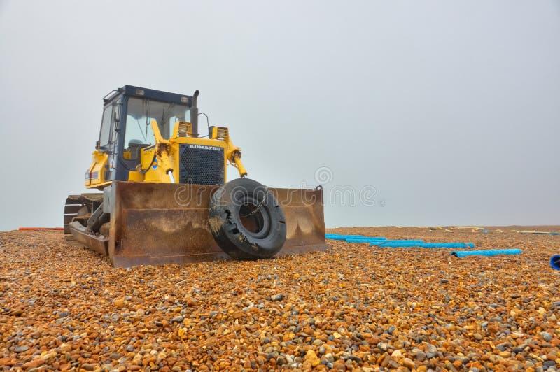 Bulldozer op het strand royalty-vrije stock foto