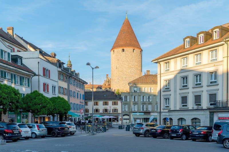 Bulle, Fr/Zwitserland - 1 Juni 2019: het historische stadscentrum in het Zwitserse dorp van Bulle in kanton Fribourg royalty-vrije stock foto