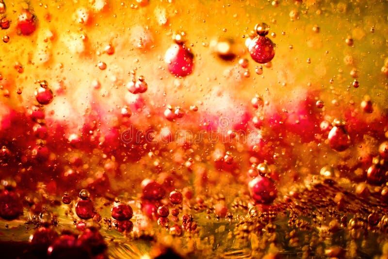 Bulles dans le résumé coloré liquide photo libre de droits
