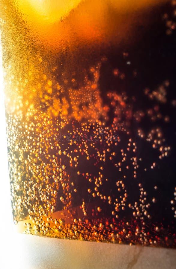 Bulles de glaçons de kola macro photos stock