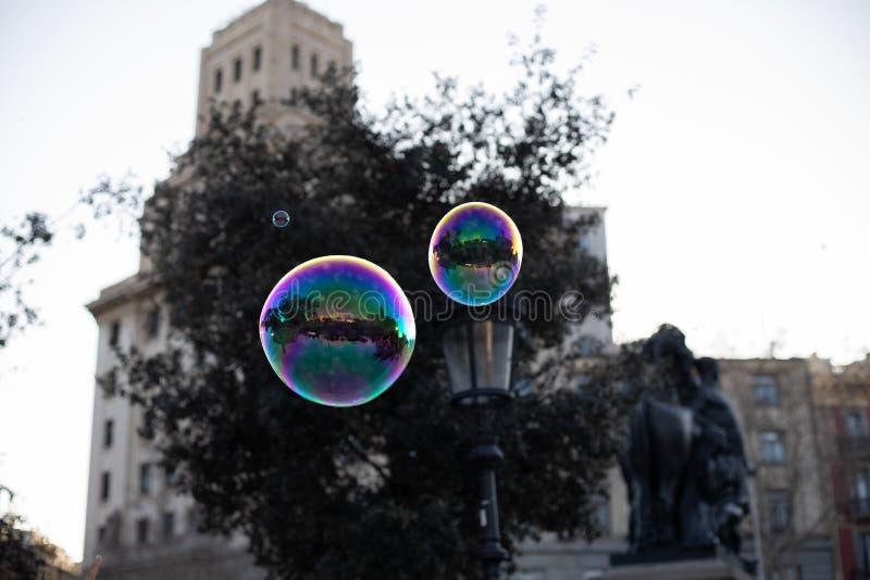 Bulles de savon en air ouvert photographie stock libre de droits