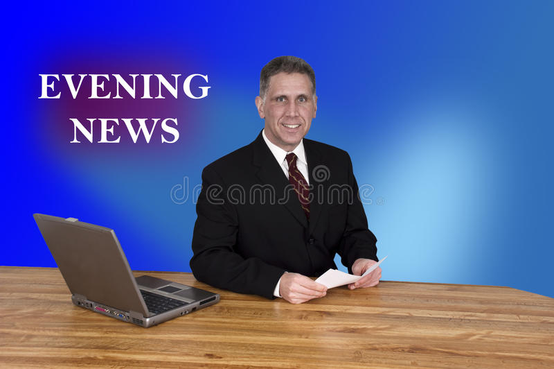 Bulletin d'informations de journaliste d'homme de point d'attache d'Evening News de TV photo libre de droits